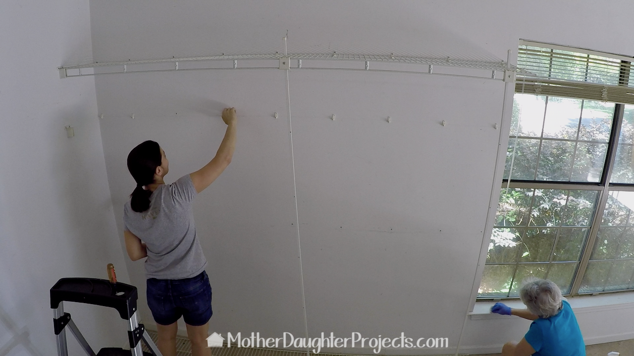 Fill Wall Hole Spackling Test - Mother Daughter Projects