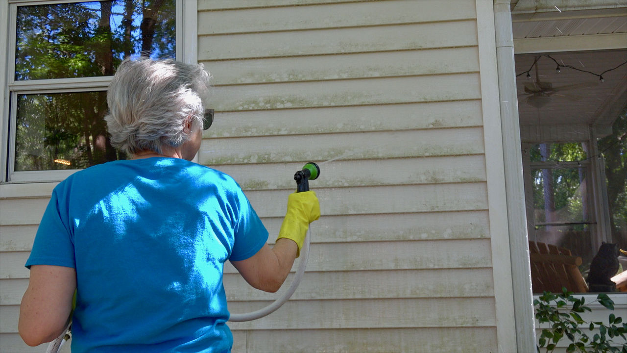 Learn how to clean vinyl siding without a pressure washer and harsh chemicals.