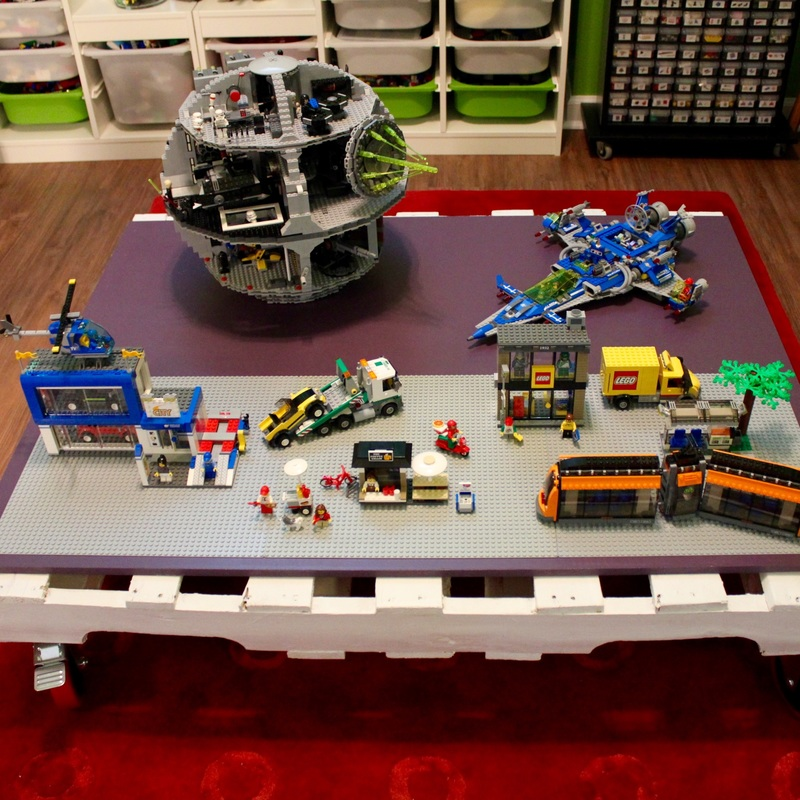 Lego Pallet Table. MotherDaughterProjects.com