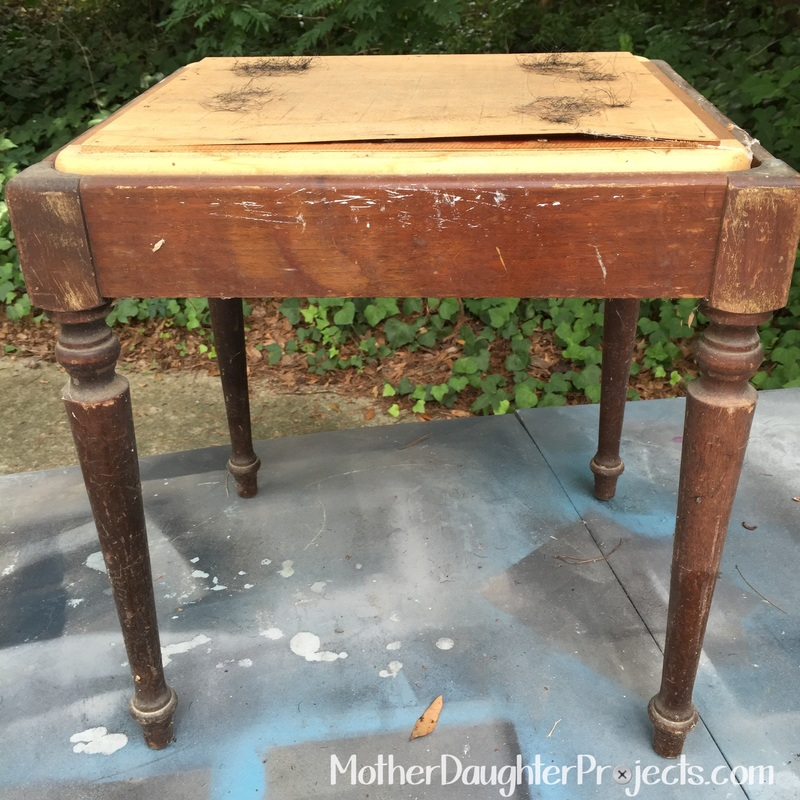 Trash Sewing Bench to Clothes Hamper. MotherDaughterProjects.com