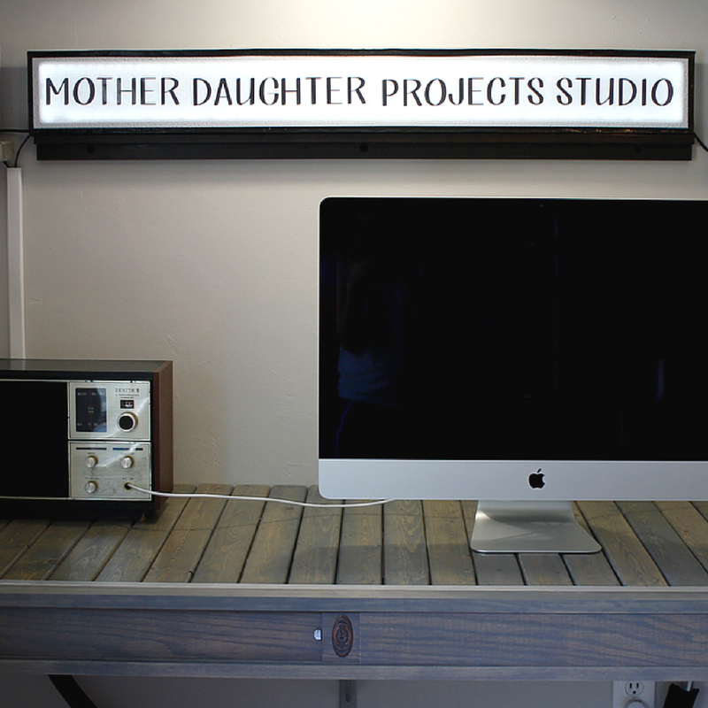 DIY Lightbox. Mother Daughter Projects.