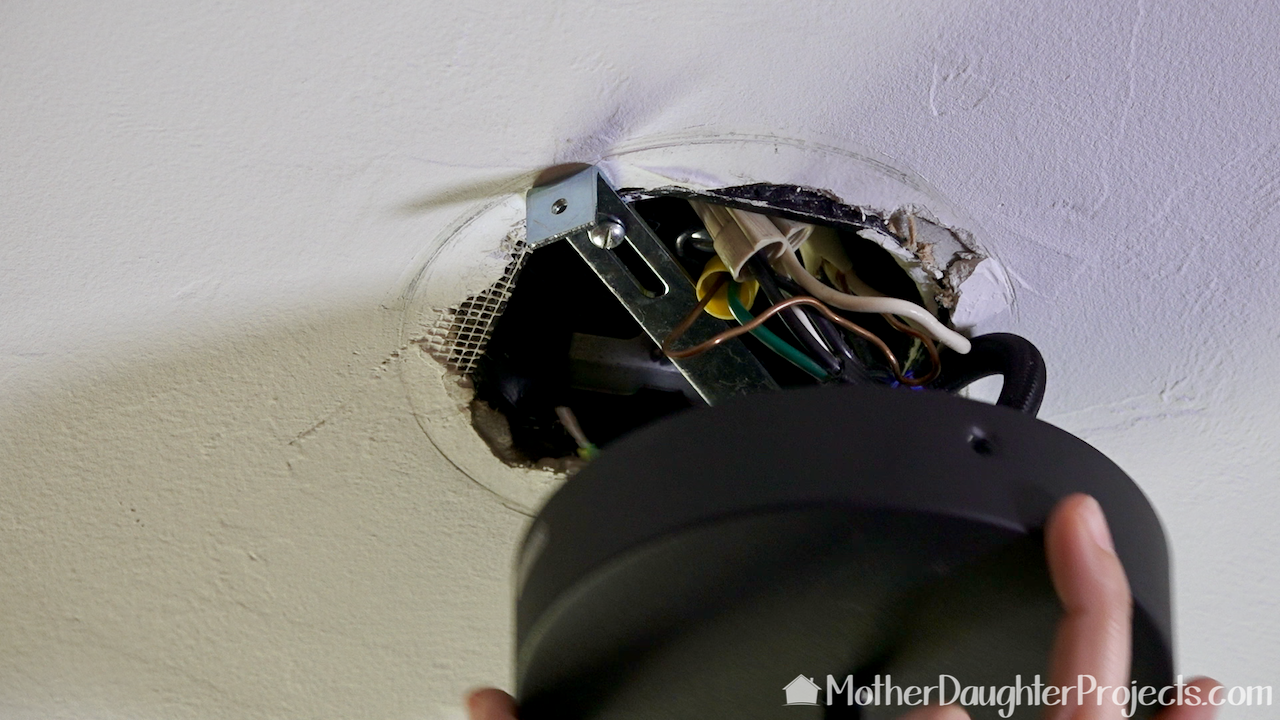 Wiring the Philips Hue pendant light to the ceiling wiring.