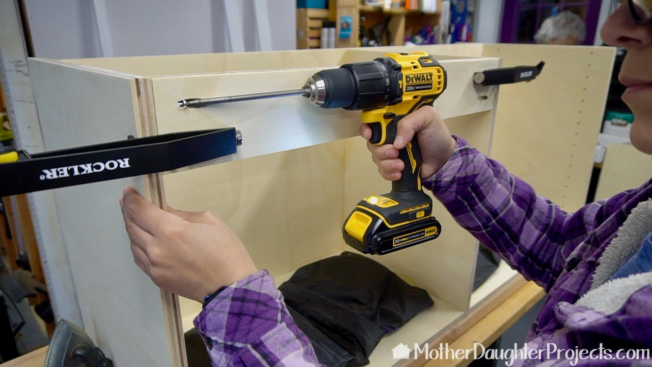 Those are Rockler pocket hole clamps that are so helpful when using pocket holes. Kreg also makes them.