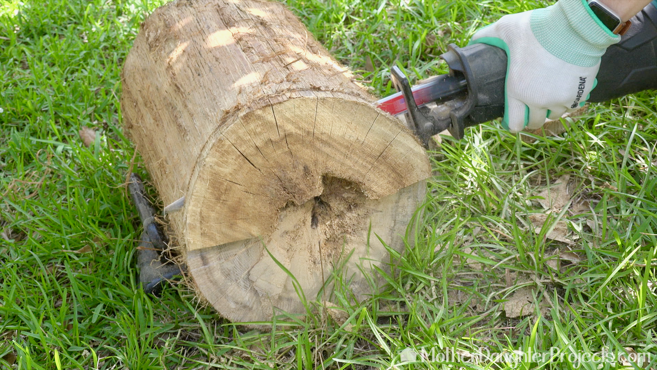 Learn how to DIY a tree log and upcycle it into a rustic stump side table or stool.