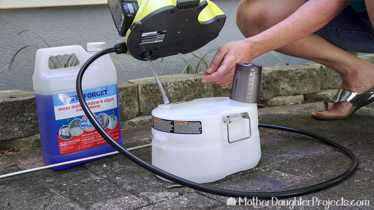 Watch as we use the cleaning product Wet & Forget to clean vinyl siding, stone, and pavers. We use the Ryobi cordless chemical sprayer to get the job done fast!