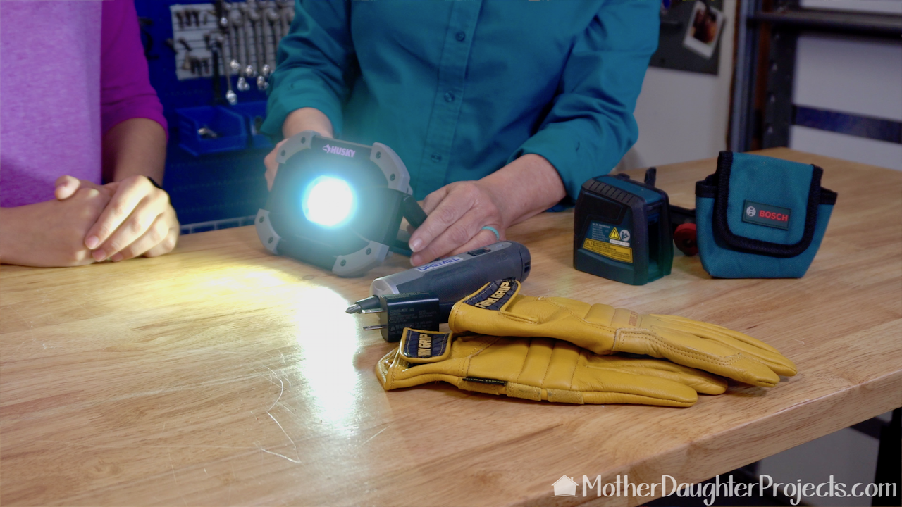 This is the Husky 700 Lumens LED Utility Light